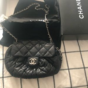 AUTHENTIC CHANEL QUILTED LEATHER HANDBAG CHAIN